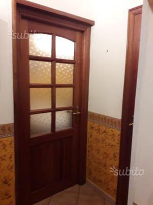 Porte da interno in legno massello di castagno
