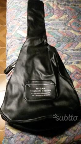 Custodia in pelle chitarra acustica Megam Avellino
