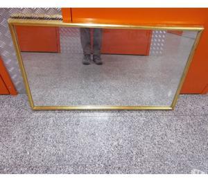 Specchio con cornice dorata posot class - Specchio con cornice dorata ...