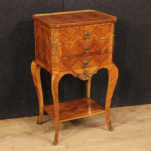 Tavolino francese in bois de rose con bronzi dorati