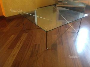 Tavolino in cristallo e tavolino in legno
