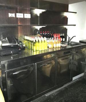 Tavolo da lavoro inox con celle frigo e lavabo