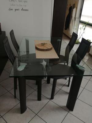 Tavolo in vetro e 4 sedie