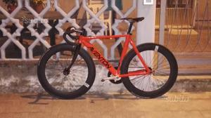 Bici fixed single speed aventon