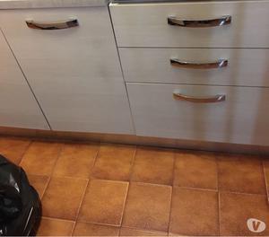 Vendo cucina arclinea completa ottimo stato anno posot class for Costo cucina completa