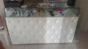 Arredamento per negozio,gioielleria,profumeria,b