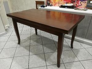 Tavolo allungabile in legno + 4 sedie