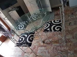 Tavolo rotondo con 6 sedie