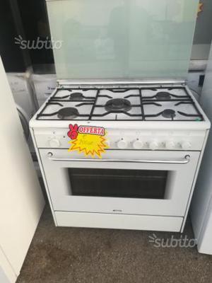 Cucina smeg 5 fuochi con forno a gas ed elettrico