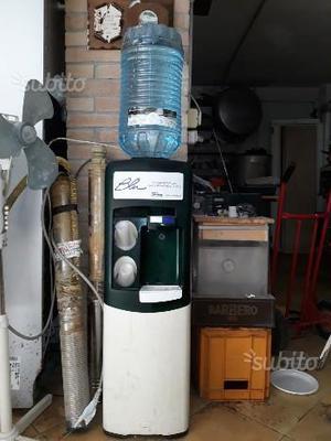 Distributore acqua refrigerata