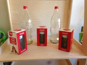 Coca Cola e tazze