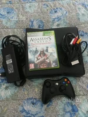 Xbox 360 slim con joypad e giochi