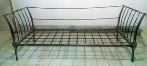 Stupendo letto in ferro forgiato e battuto a mano posot for Divano letto 190 cm