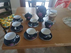 Servizio per il tè in ceramica