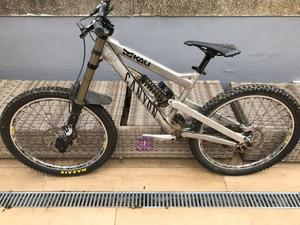 Vendo bici downhill CANYON TORQUE FRX 9.0 LTD TAGLIA S