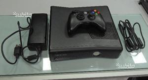 Xbox 360 Slim 250 GB con 27 Giochi e Garanzia