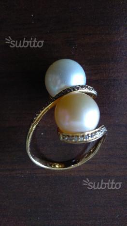 Anello oro giallo con perle e diamantini
