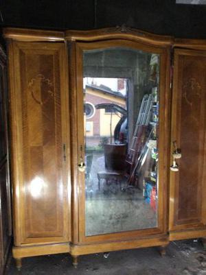 Armadio 3 ante con specchio centrale stile Chippendaile