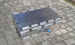 Valigia Roncato in alluminio con ruote