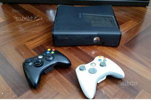 XBOX 360 Slim + 2 joystick + kinect + giochi