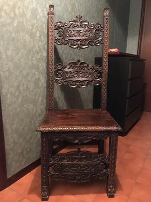 Sedia antica in legno noce da restaurare posot class for Sedia antica thonet