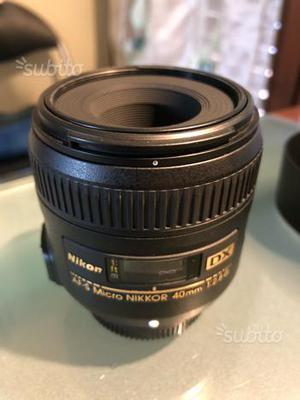 Obiettivo 40 mm Micro f 2.8