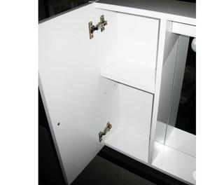 Vendo 4 sedie ikea e mobile pensile per bagno posot class for Vendo mobile bagno