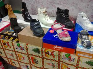 Stock 30 paia scarpe donne e bambini nuove con scatola