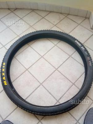 Maxxis race tt 27.5 tubeleas nuovo