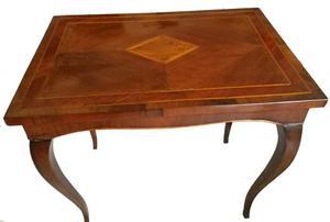 Tavolino Luigi XV in legno noce