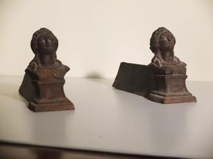 Antichi alari da camino in ferro battuto