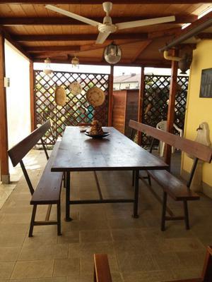 tavolo in legno massello e 2 panche