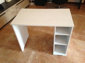Scrivania In Legno Ikea : Scrivania ikea bianca in legno per pc cm posot class