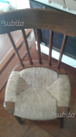Sedie legno e paglia
