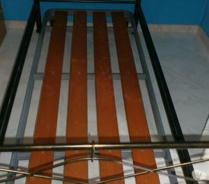 letto singolo in ferro battuto