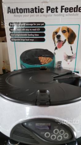 Automatic pet feeder dispenser automatico