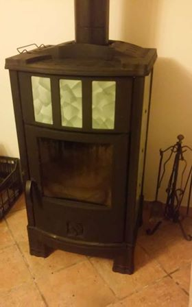 Stufa a legna Castelmonte kw. 12,2 per appartamento taverna