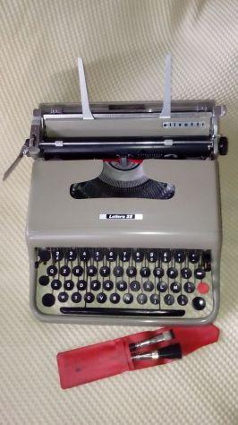 Olivetti Lettera 22, macchina da scrivere anni 50