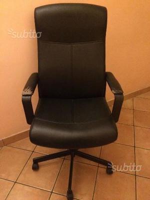 Sedia per ufficio studio b nera posot class for Sedia studio