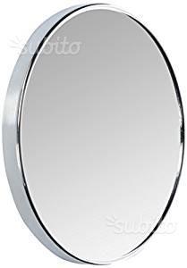 Specchio ingranditore con ventose