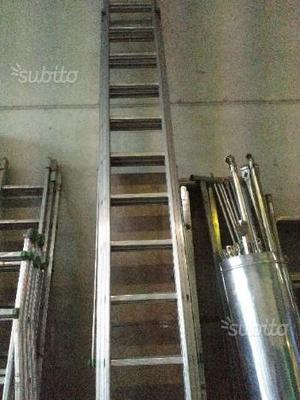 Scala lunga estensibile in alluminio