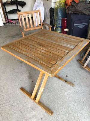 Tavolino e 2 sedie da ridipingere