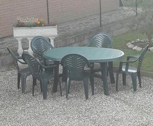 Tavolo da giardino con 6 sedie