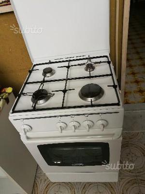 Cucina DE LONGHI 4 fuochi