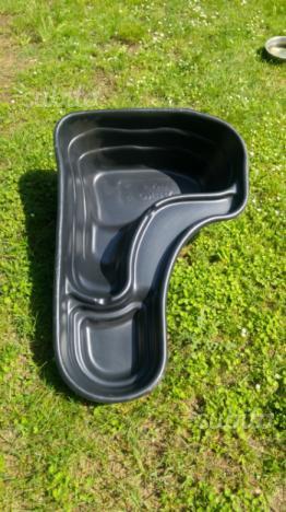 Vendo laghetto artificiale per giardino posot class for Laghetto resina
