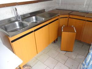 Mobili da cucina usati colore chiaro | Posot Class