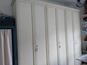 Vendo vendo armadio in legno come nuovo con 6 ante,