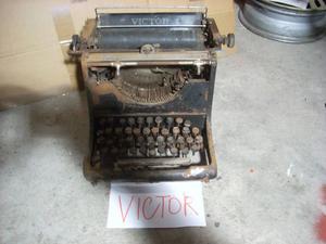 macchina da scrivere anni 30