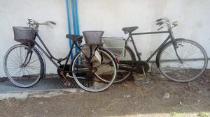 2 biciclette uomo donna buon stato completo borse