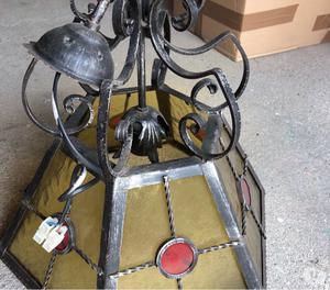 Vendo lampadario in ferro battuto e vetro